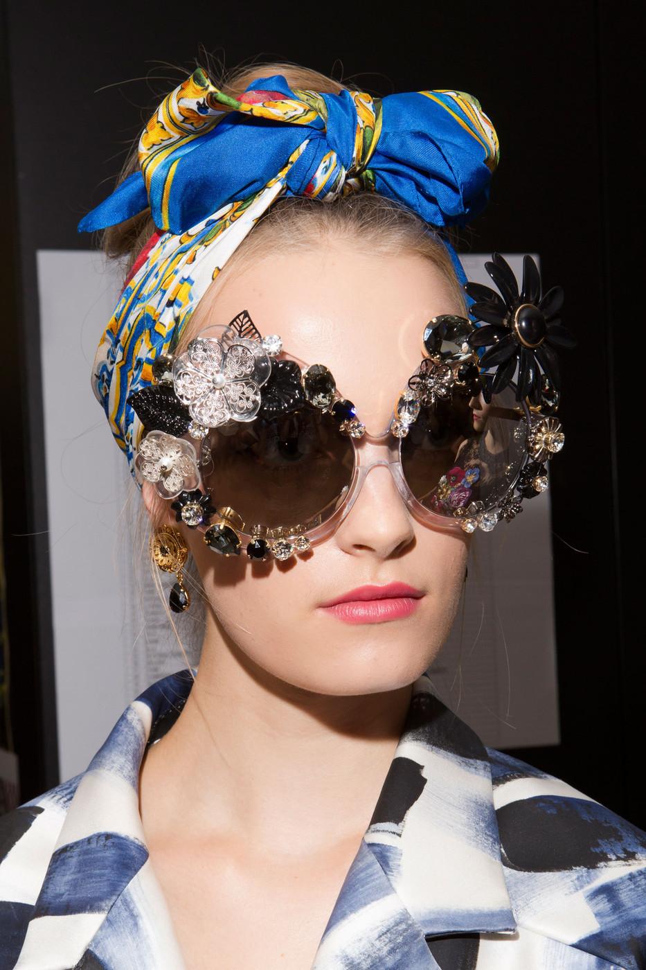 Dolce+Gabbana+Spring+2016+Backstage+QHgfvM8OywNx.jpg