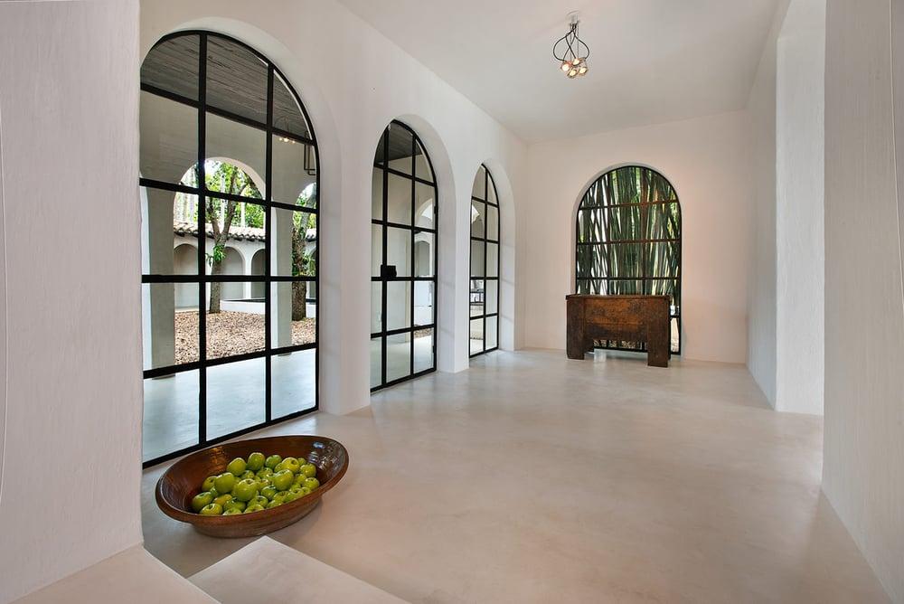 010---Main-Living-Entrance-Apples (1).jpg