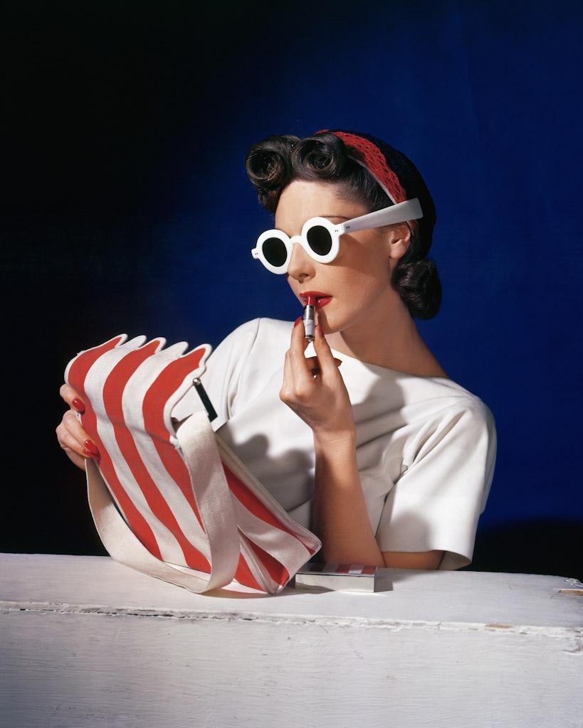 12._Muriel_Maxwell_American_Vogue_cover_1_July_1939__Conde_Nast_Horst_Estate.jpg
