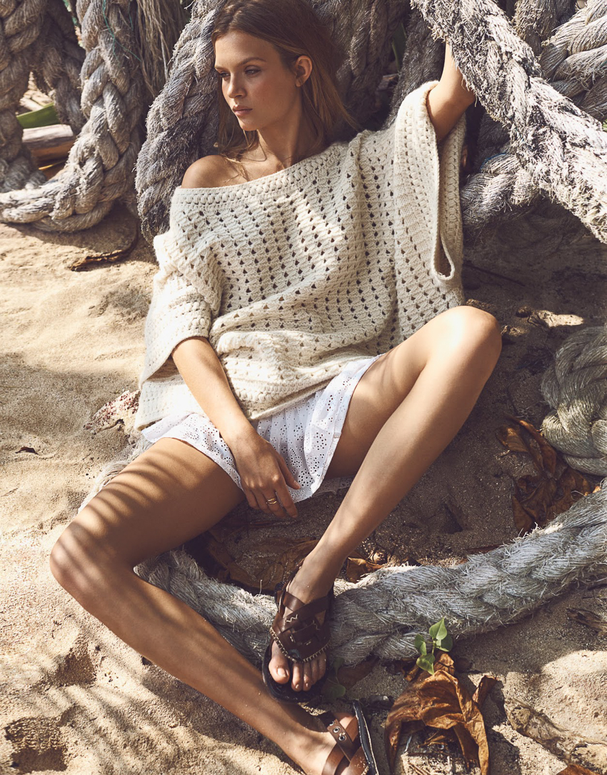 The-Edit-May-2016-Josephine-Skriver-by-Emma-Tempest-2.jpg