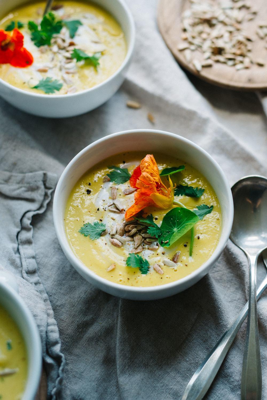 Golden+Sunflower+Gazpacho+-+dolly+and+oatmeal+#vegan-4.jpg