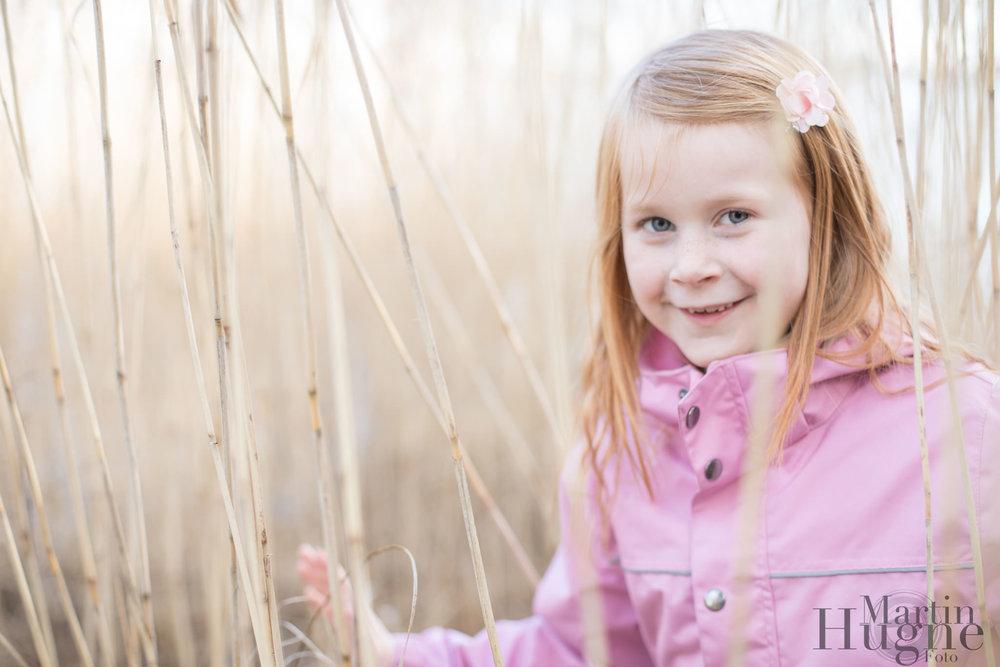 flicka porträtt rosa.jpg