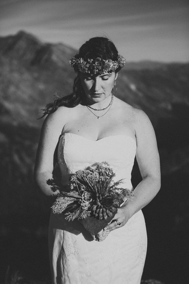 sol-gutierrez-wedding-mazama-winthrop-methow_josmo_0418e-2.jpg