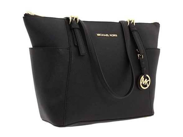 A tote can be VERY helpful if you have to carry around your agenda, tablet, laptop and other necessities. But don't forget to leave it in the car when you go into that interview!