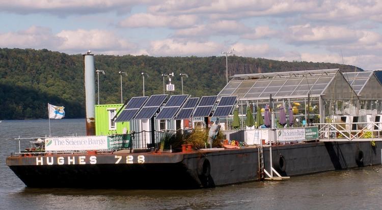 hydroponic_barge.jpg