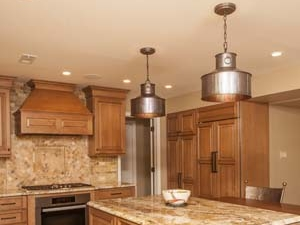Traditional kitchen design with pendant lights