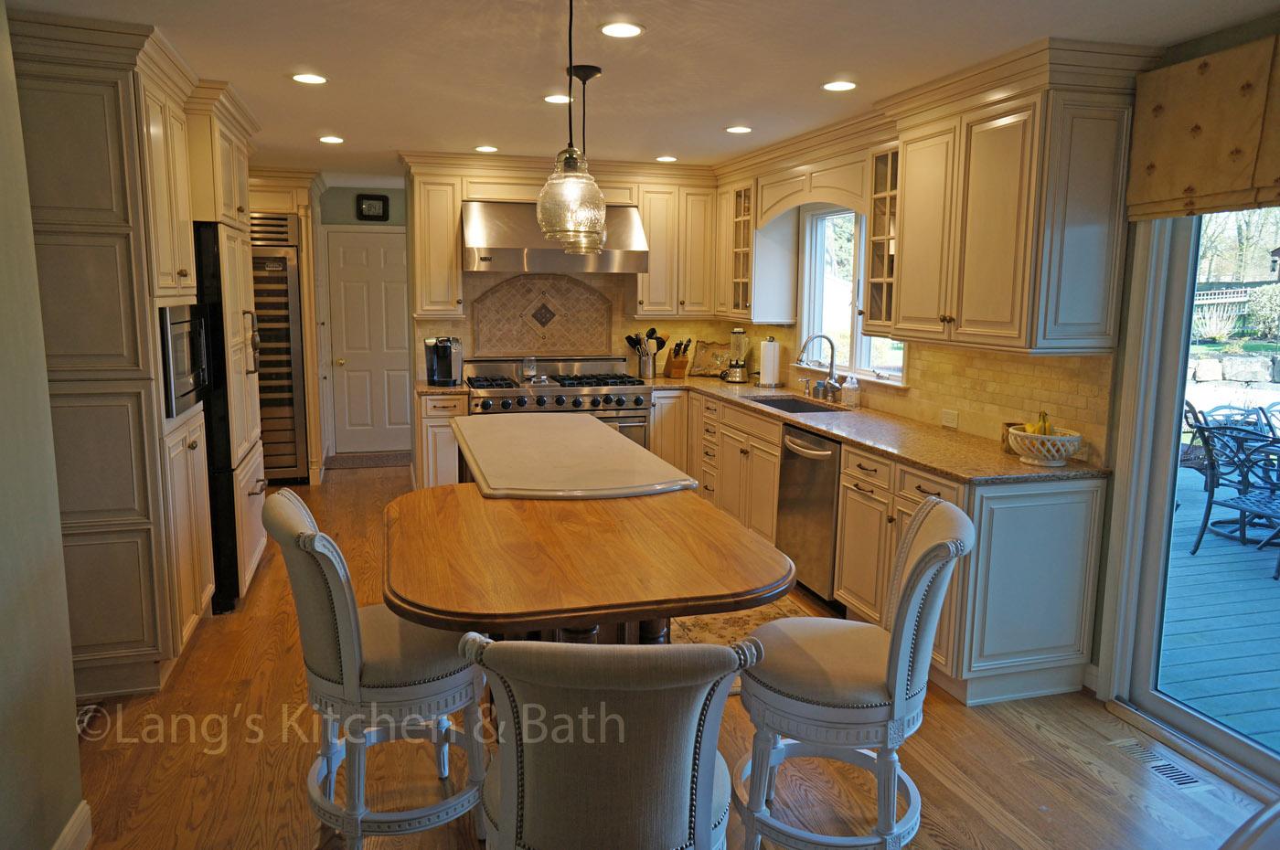 Custom Kitchen Design & Showroom in Newtown, PA | Lang\'s Kitchen & Bath