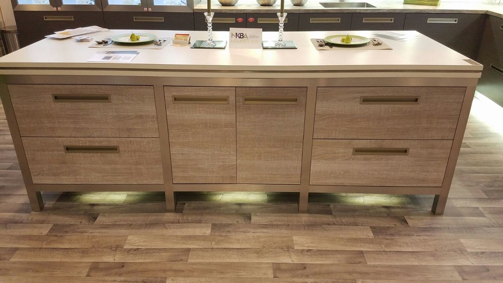 Fabuwood contemporary kitchen cabinets