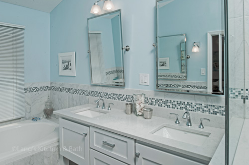 Cool blue bathroom design