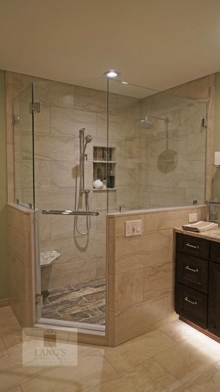 Corner shower with glass door