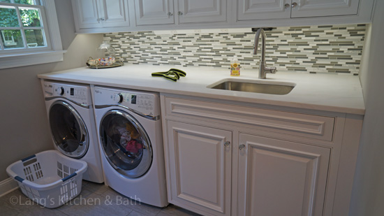 Laundry room design with undercabinet lighting