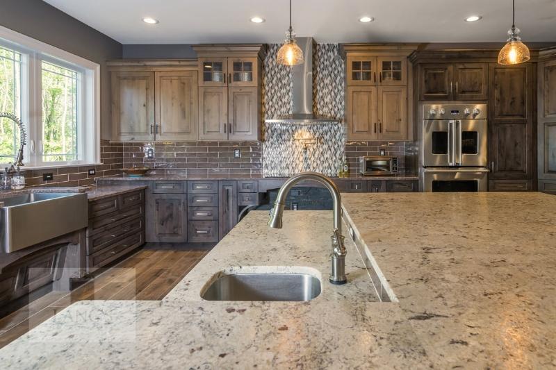 Kitchen design with quartz countertop