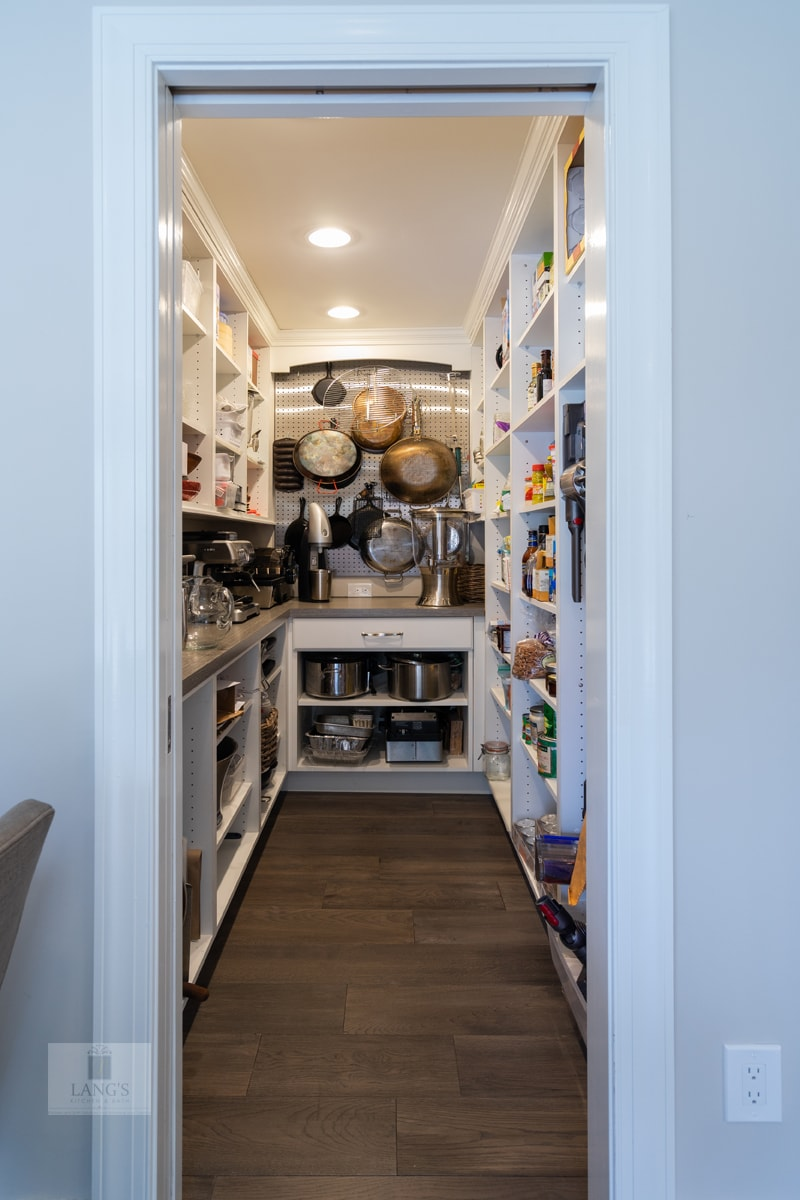 Butler's pantry with countertop work space