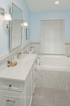bathroom design with makeup console