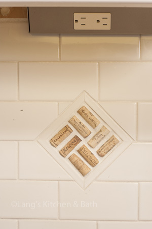 kitchen backsplash with inlaid corks