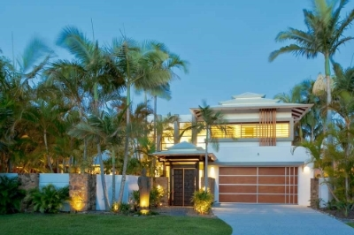 Award Winning Lagoona House - Noosa Waters