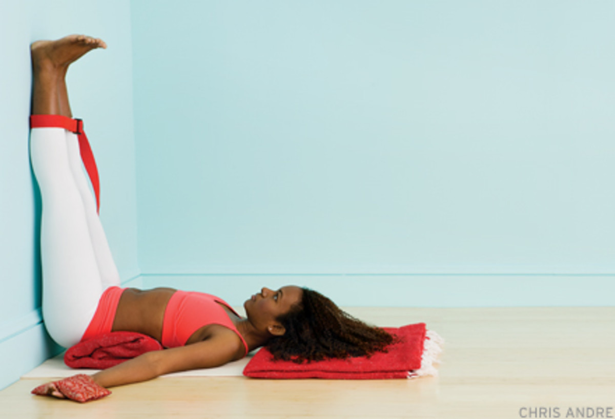 40 Yoga Poses to Help Aid Digestion After Thanksgiving Dinner