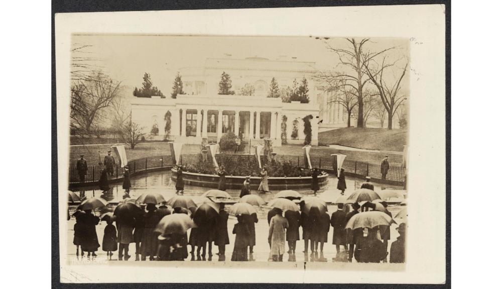 Picketing the White House at Wilson's second inauguration