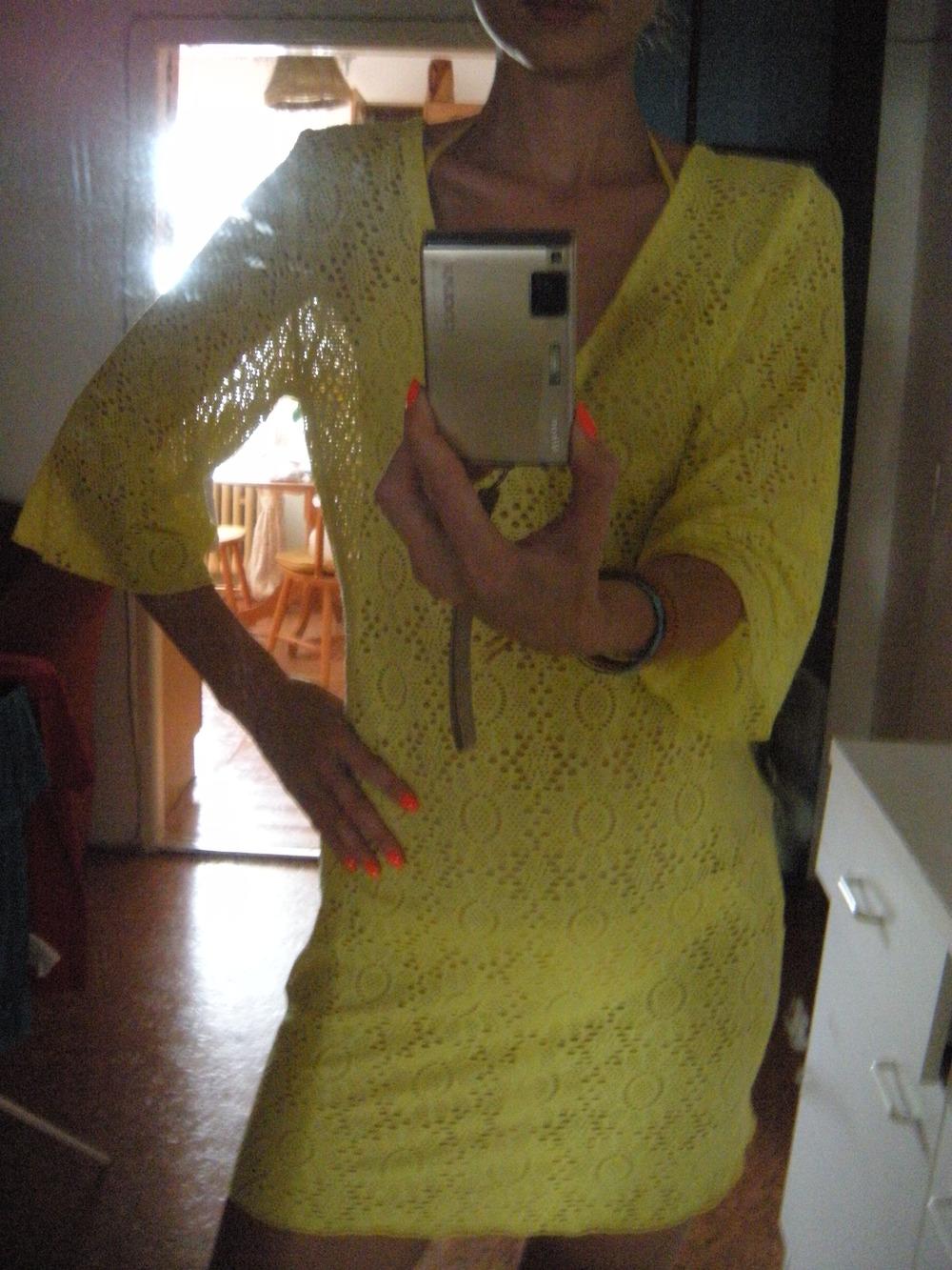 Žlté plážové šaty Intimissimi.