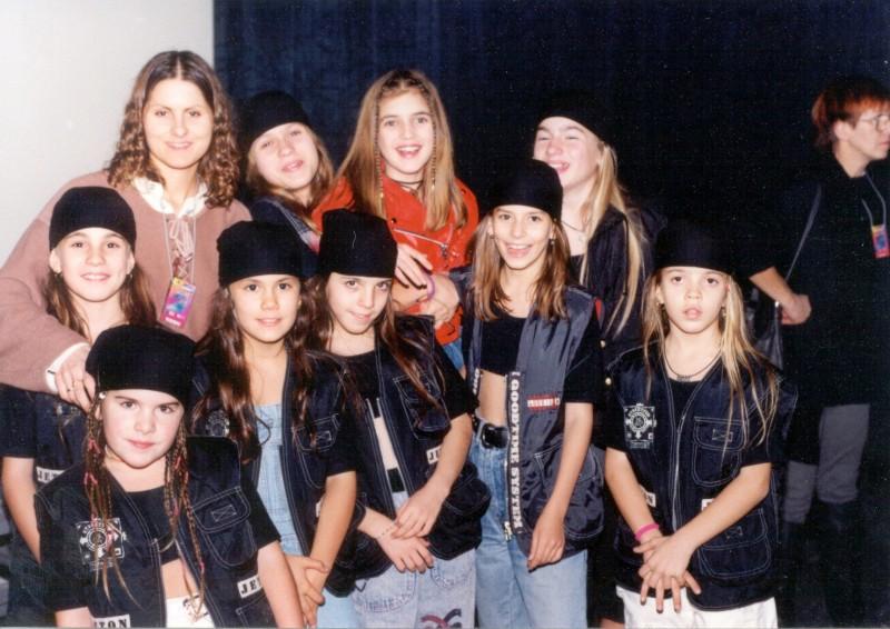 s tanečnou skupinou Cute Homegirls