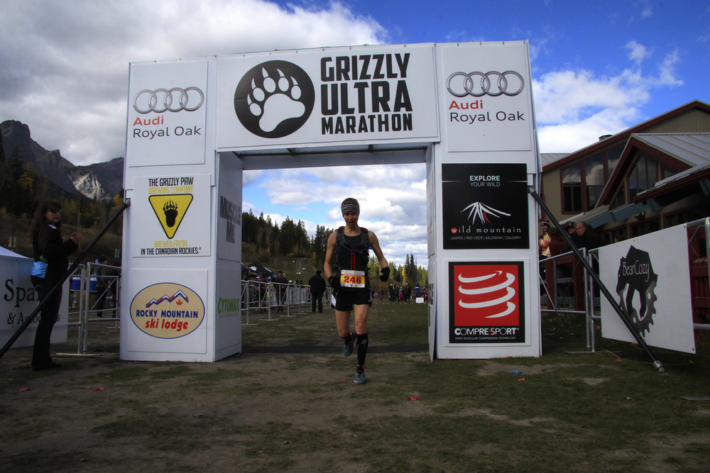 Mueller winning the 2014 Grizzly UltraMarathon