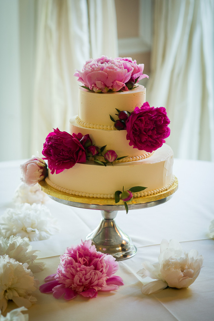 43.-Wedding-Cake-Photographer-Selects-0120-681x1024.jpg