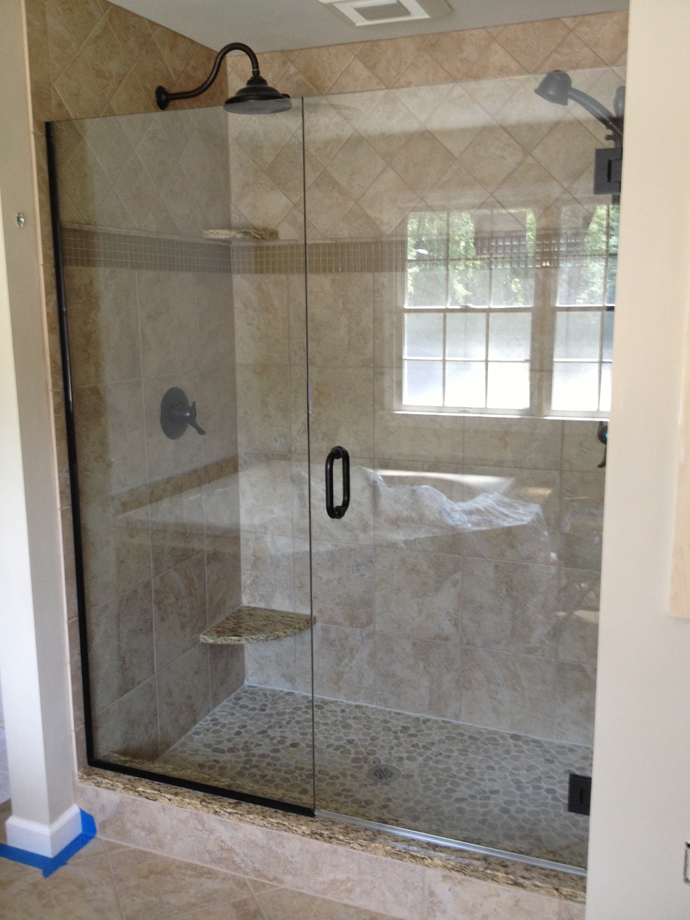 Bathroom shower doors frameless - Img_0657 Jpg