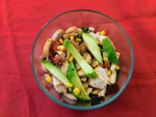 Chicken Bowl: Chicken, spinach, quinoa, corn, peppers, onions & avocado