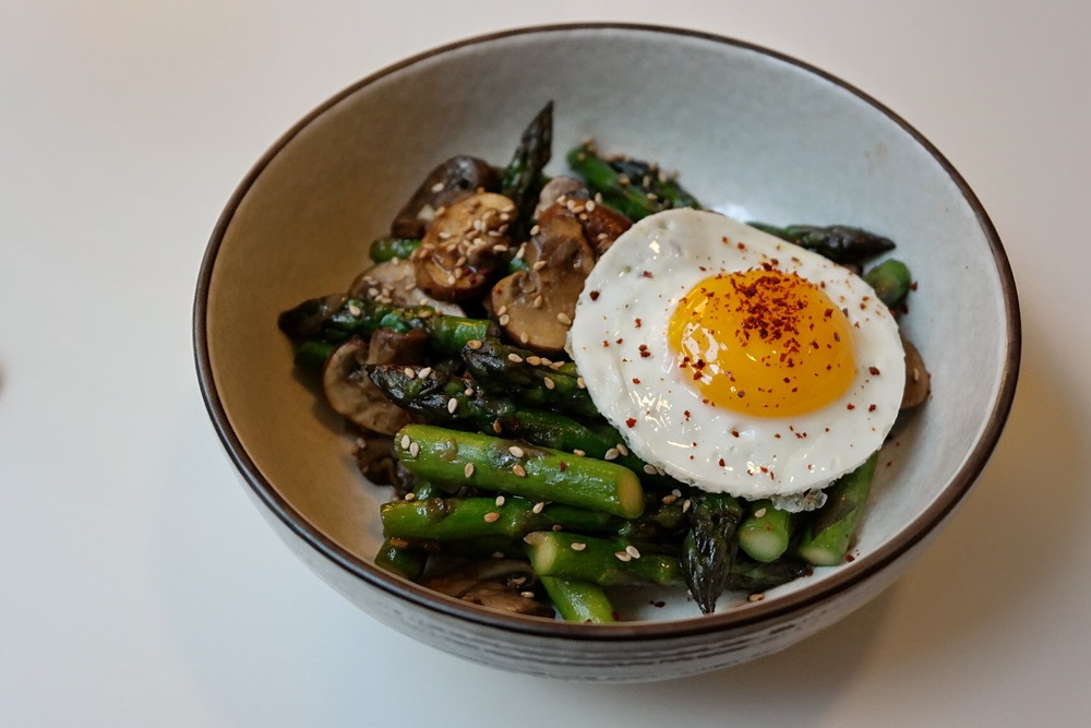 asparagus-mushrooms-egg.JPG