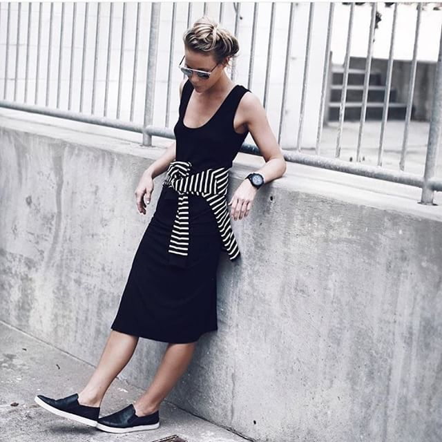 Relaxed in black from @happilygrey. #ootd #streetstyle #style #black #relaxed