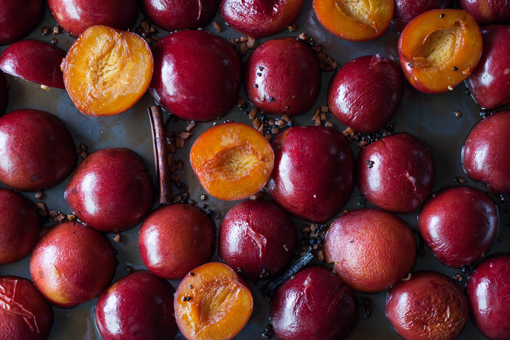 Roasted Plums in Chai-8407.jpg