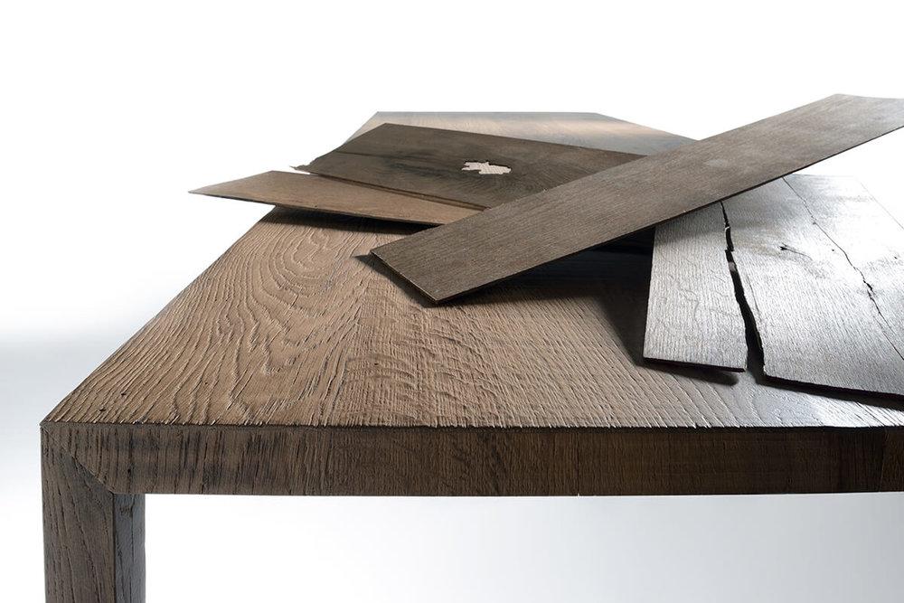Tense Material, Oak wood.