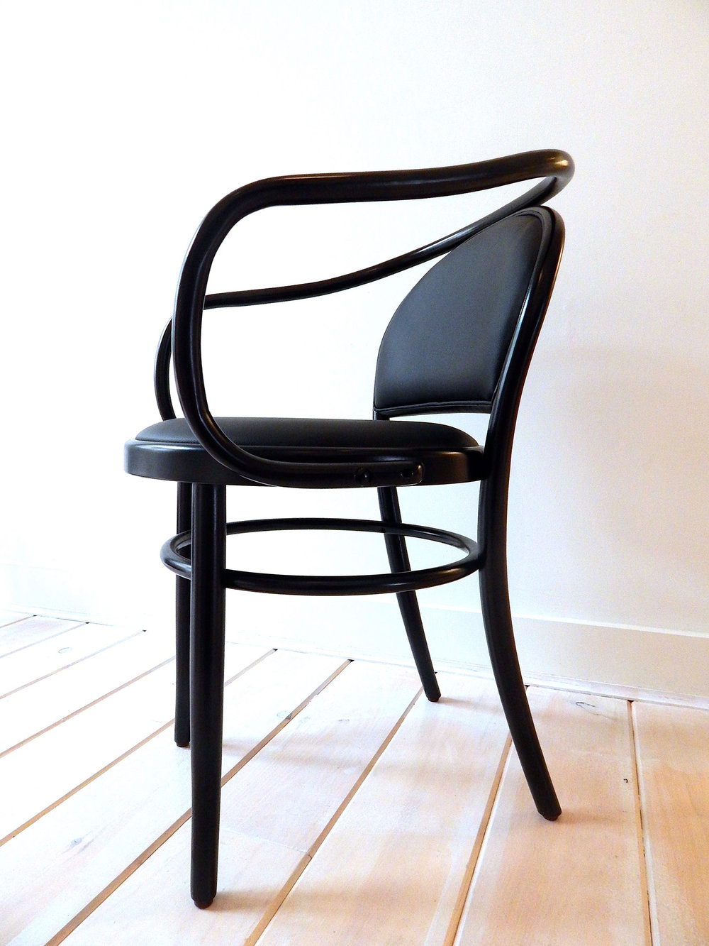 Considered An Icon, The Era Is One Of The Most Reproduced Furniture Pieces  In The World. Also Known As The Bistro Chair, It Has Been Used For Over 150  Years ...