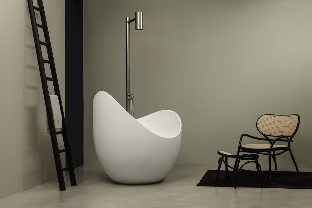 Superieur When Selecting A Bathtub One Seeks Out A Design That Embodies A Feeling Of  Comfort And Serenity. Lunetta, A New Tub Designed By Milan Based Designer  Cosetta ...