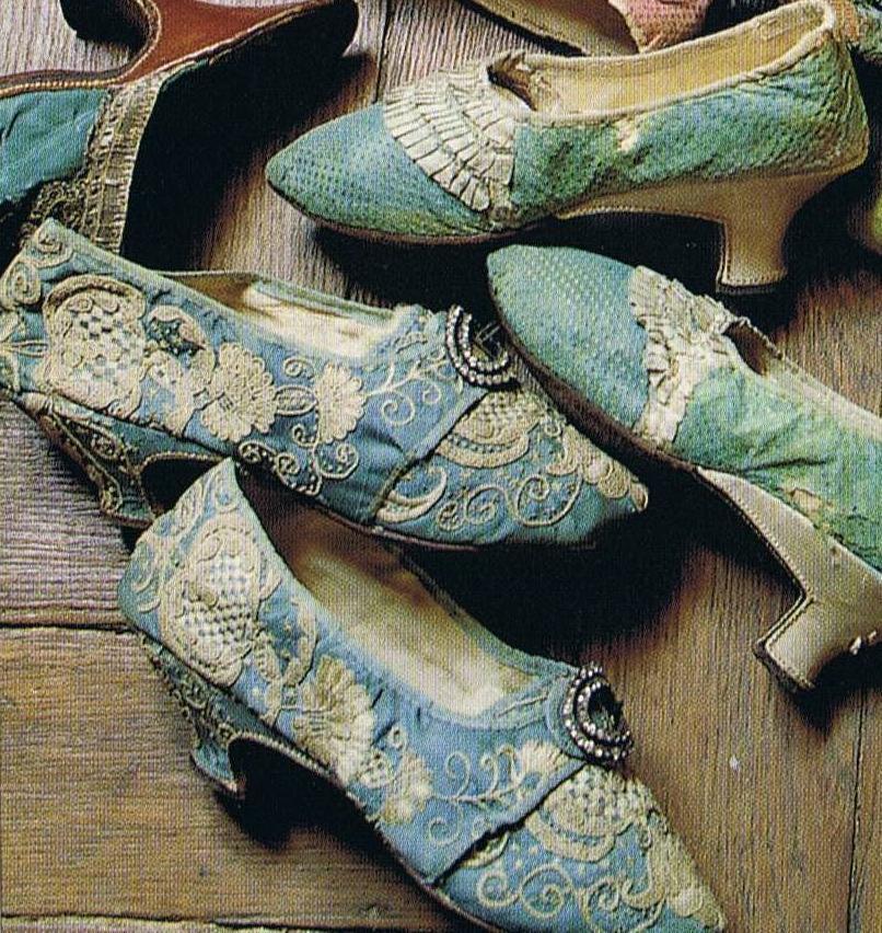 shoes-marie-antoinette-1.jpg
