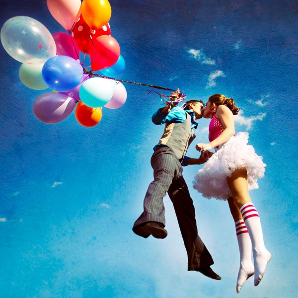 This one is actually an engagement photo, but I love the balloons and the pose.  I don't see enough balloons in pictures.  Who doesn't love balloons?