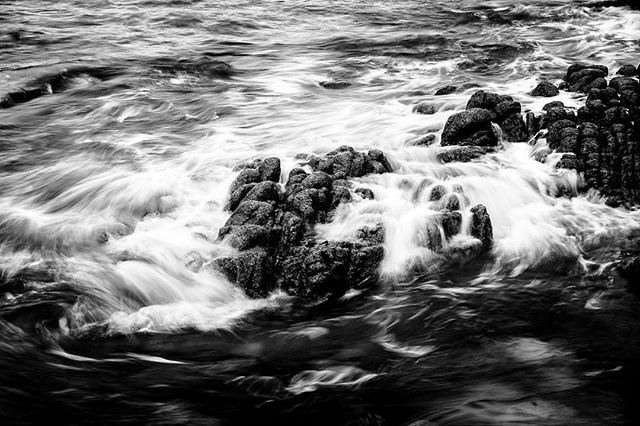 Swirling water. #wildatlanticway #donegal #ireland #fujixt1 #fujifilm