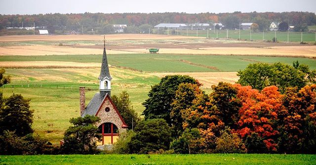 Grand-Pré Memorial Church, Grand-Pré, Nova Scotia. #grandpre #novascotia #fall #autumn #fujifilm #fujifilmxt1