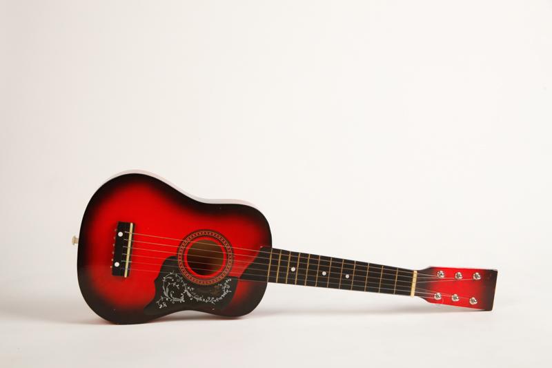 campbell-salgado-studio_props_el-corazon_music-instruments_7.jpg