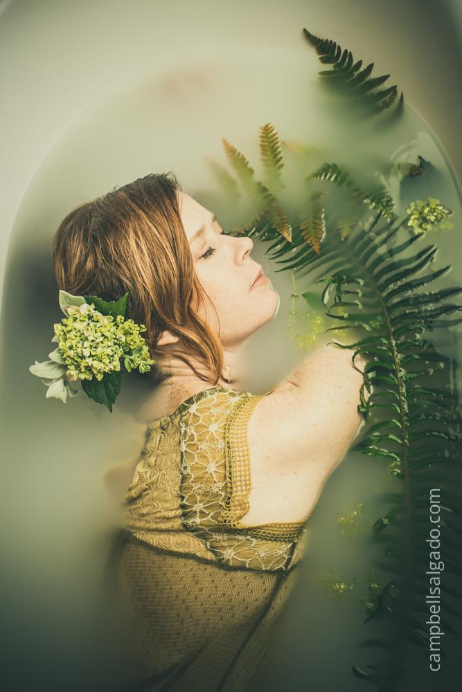 milk-bath-boudoir-photography_portland-oregon_photo-studio_kim-campbell-photographer-7.jpg