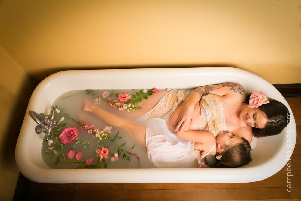 milk-bath-photography-maternity-pregnancy_portland-oregon_photo-studio_kim-campbell-photographer-9.jpg