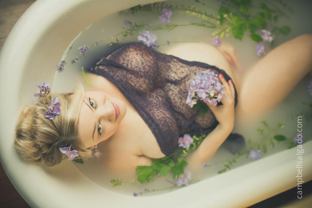 milk-bath-photography-maternity-pregnancy_portland-oregon_photo-studio_kim-campbell-photographer.jpg