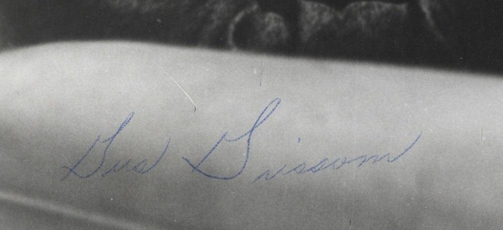 Gus Grissom forgery... small and malformed with weak, tentative appearance.