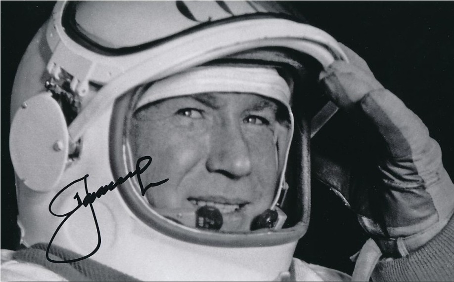 Alexey Leonov private signing for charity
