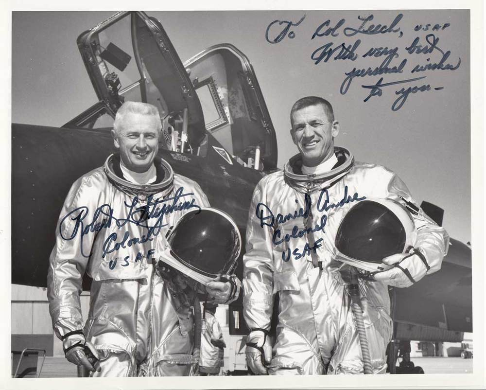 Robert stephens + daniel andre signed photo