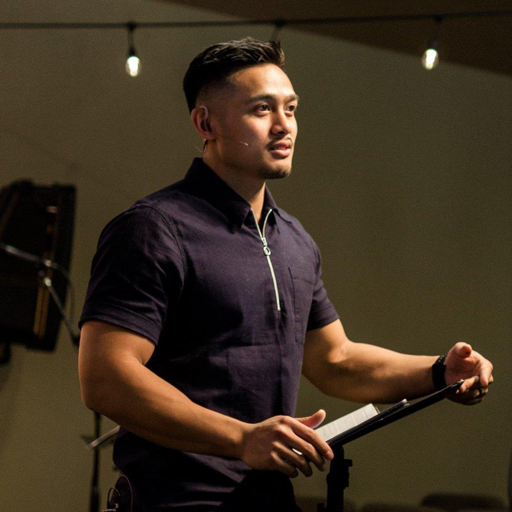 Nikko Santos //Lead Pastor