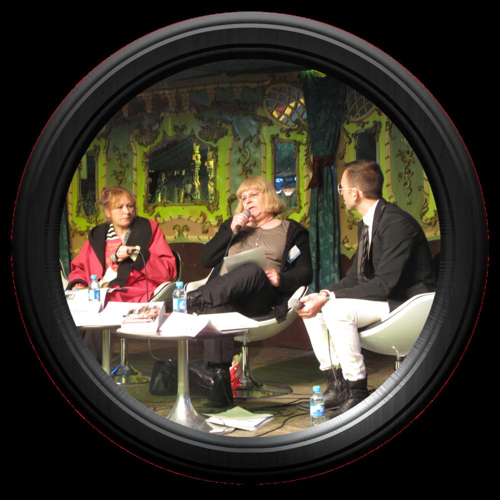 Café littéraire de présentation d'ANIMALE aux Imaginales, sous le splendide chapiteau Magic Mirror, orchestré par Stéphanie Nicot et Marie-Charlotte Delmas.