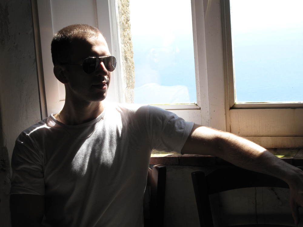Victor Dixen window @E. Clocksbriggs.jpg