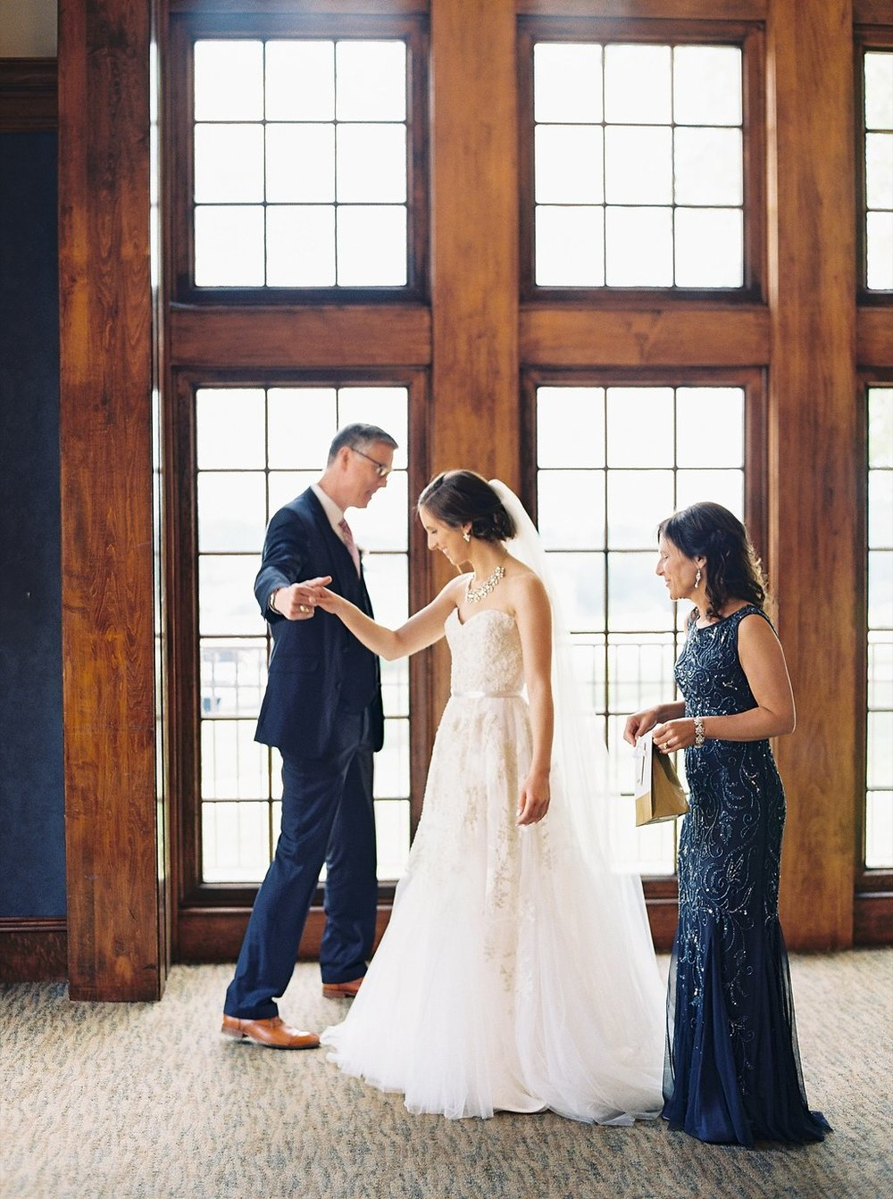 Father Daughter First Look | Reem Acra Wedding Gown | Simply Jessica Marie's Southern Wedding | Photo by Perry Vaile Photography