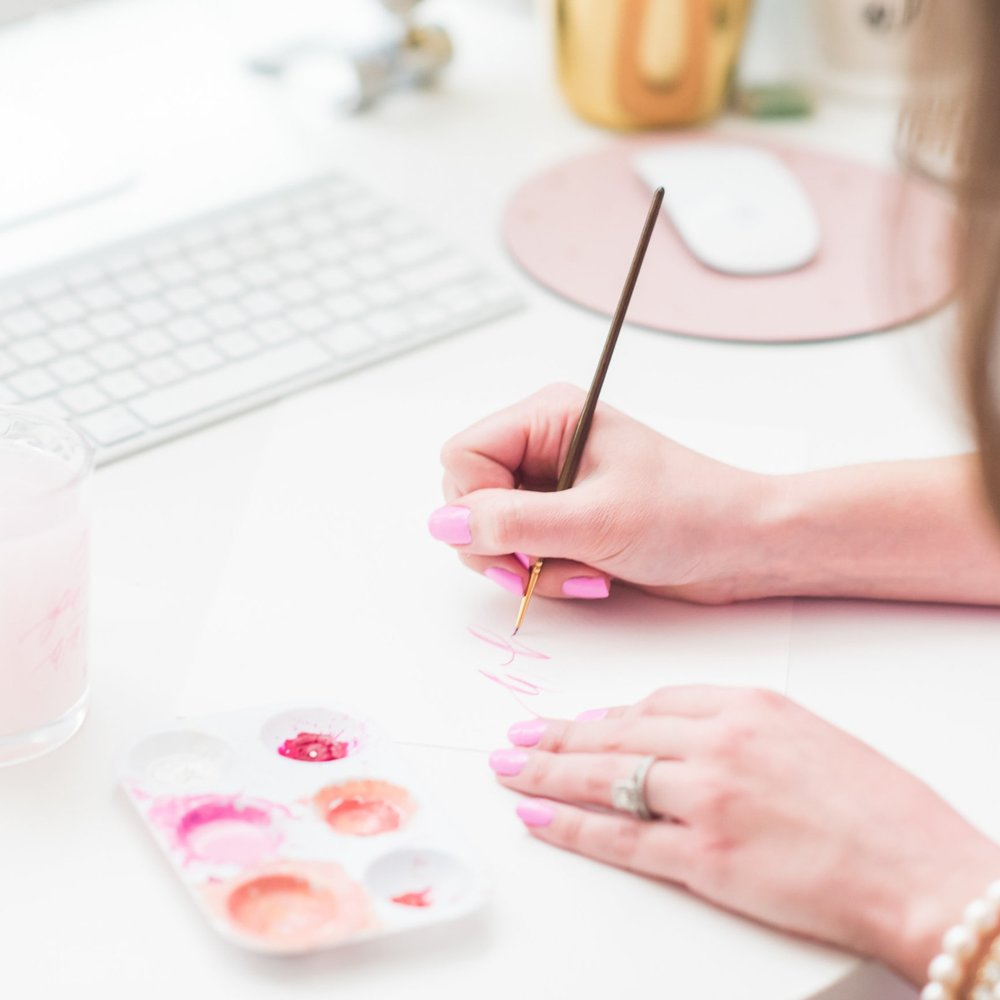 INTRO TO BRUSH CALLIGRAPHY - This course will provide you with a strong grasp on the basics of calligraphy, allow you to master the upper & lowercase alphabet, and confidently connect letters to make words & phrases.Never rely on finding a calligraphy font again!